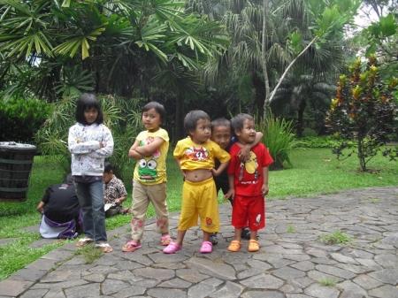 Balita dan anak-anak... masa keemasan perkembangan otak manusia (HS-2010)